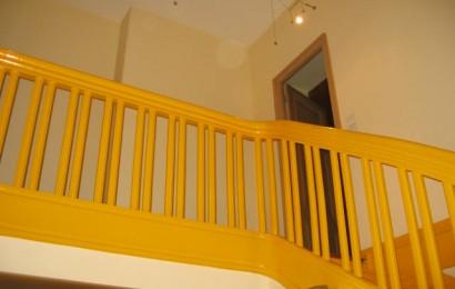 ancien escalier en peinture